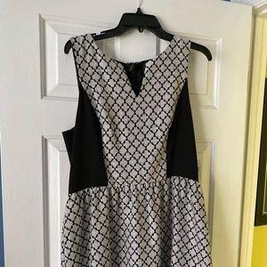 Kenzie black/white dress